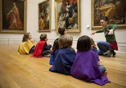 Les enfants au musée du Louvre