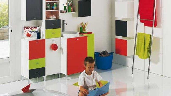 design d 39 une salle de bain pour enfants les petits bouts. Black Bedroom Furniture Sets. Home Design Ideas