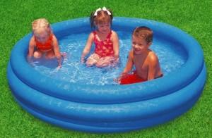 Les petits bouts actualit s enfants for Petite piscine gonflable bebe